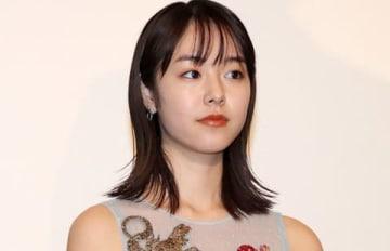 映画「覚悟はいいかそこの女子。」の初日舞台あいさつに出席した唐田えりかさん