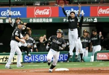 ソフトバンク記録的猛打で日本S王手 4戦38得点で新記録、打率も記録更新か