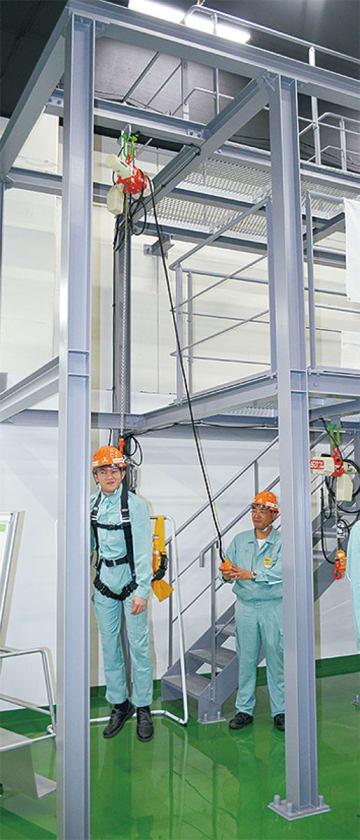 天井まで6mの高さがある地下階に設置された安全体感エリア
