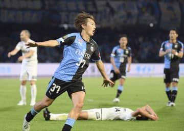 川崎―神戸 後半、3点目のゴールを決めた川崎・斎藤=等々力