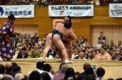 被災地に元気を—大相撲総社場所