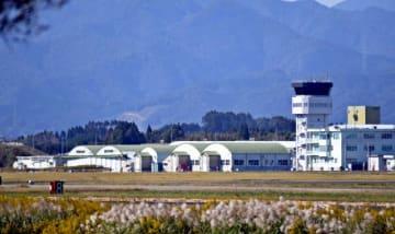米軍の武器弾薬庫や駐機場の整備が検討されている航空自衛隊新田原基地=20日午後、新富町