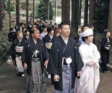 能登立国1300年、記念の花嫁道中 「国府」あった七尾・古府町