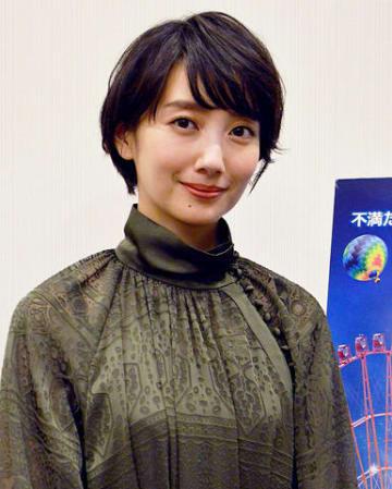 主演映画「オズランド 笑顔の魔法おしえます。」について語った波瑠さん