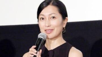 映画「日日是好日」の初日舞台あいさつに出席した鶴田真由さん