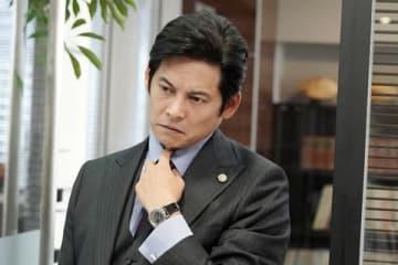 連続ドラマ「SUITS/スーツ」第3話のシーンカット=フジテレビ提供