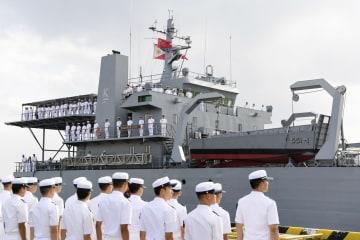 中国広東省湛江に到着したフィリピン海軍の艦船=21日(共同)