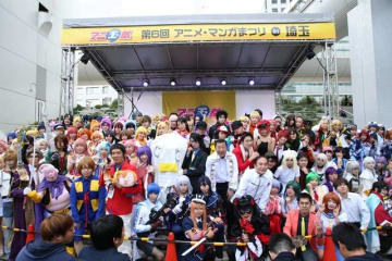 イベント参加コスプレイヤーによる記念撮影