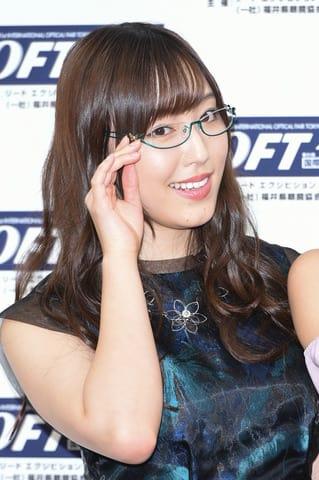 「第31回日本メガネベストドレッサー賞」の表彰式に出席した「モーニング娘。'18」のリーダー譜久村聖さん