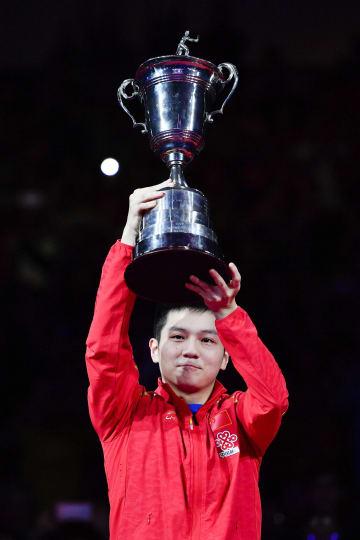 樊振東が2年ぶり王座奪還 卓球男子W杯