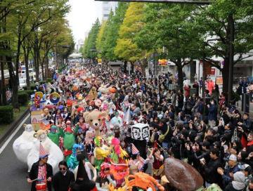 2016年の「カワサキ ハロウィン」メインパレードの様子(川崎市提供)
