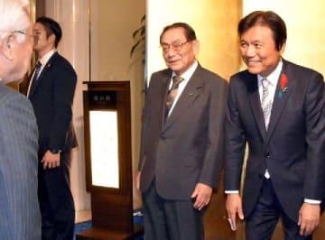 【福岡】小川氏、3選へ二つの壁 福岡知事選あと半年 県議団、強硬路線に転換 福岡市、宿泊税巡り対立