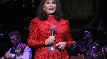 NASHVILLE, TN - SEPTEMBER 19: Loretta Lynn performs during the 16th Annual Americana Music Festival & Conference at Ascend Amphitheater on September 19, 2015 in Nashville, Tennessee. (Photo by Terry Wyatt/Getty Images for Americana Music)