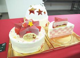 星型のイチゴムースとチョコレートを飾った「セットエトワール」=大丸札幌店