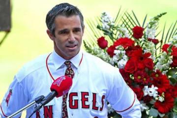 就任会見に臨んだエンゼルスのオースマス新監督【写真:Getty Images】