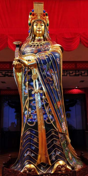 林氏銅胎掐絲琺瑯の伝承発展目指す 景泰藍技法継承者·林輝氏