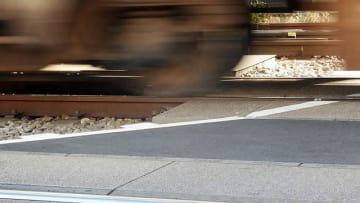 JR湯河原駅構内で信号トラブル 貨物列車が発車できず