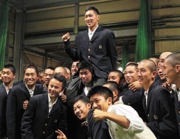 ソフトB1位吉住、清宮に直球勝負 長谷川勇と同郷「早くお会いしたい」