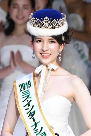 2019ミス・インターナショナル日本代表に輝いた岡田朋峰さん