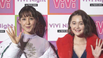 「ViVi Night in TOKYO 2018 HALLOWEEN PARTY」に出演したトリンドル玲奈さん(左)と玉城ティナさん