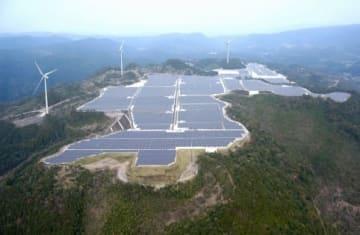 日置養母風力発電所の完成予想写真(合成、南国殖産提供)