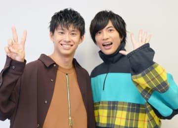 鈴木勝大(左)と志尊淳(右)