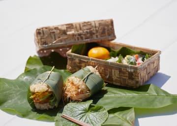 ツアーの昼食で提供する上勝町特産のシイタケのカツや豆腐ステーキを挟んだ玄米バーガー(サンスター提供)