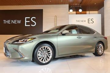 レクサス 新型ES グレード:version L│ボディカラー:サンライトグリーンマイカメタリック│インテリアカラー:リッチクリーム