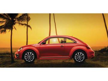 パドルシフト付マルチファンクションステアリングホイールや2ゾーンフルオートエアコンを標準装備、同時に専用デザインの17 インチアルミホイールを装着した「The Beetle」の特別仕様車「Meister」シリーズ