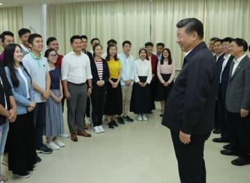 習近平氏、広東省広州市の大学や企業を視察