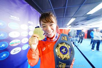 3年連続で世界一を守り、にっこり笑顔の川井梨紗子