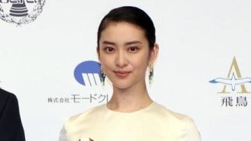 「第19回ベストフォーマリスト」授賞式に登場した武井咲さん
