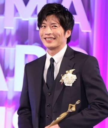 「おっさんずラブ」で主演男優賞を受賞し授賞式に出席した田中圭さん