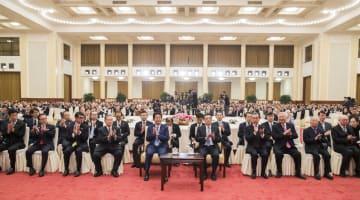 李克強総理、安倍首相と中日平和友好条約締結40周年記念レセプションに出席