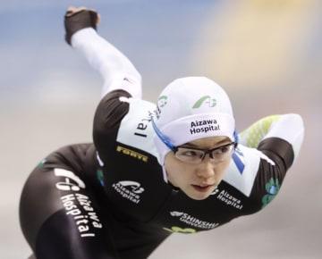 女子500メートル 37秒30で優勝した小平奈緒=エムウエーブ