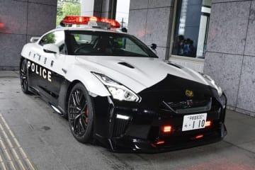 栃木県警に納車された日産 GT-Rのパトカー