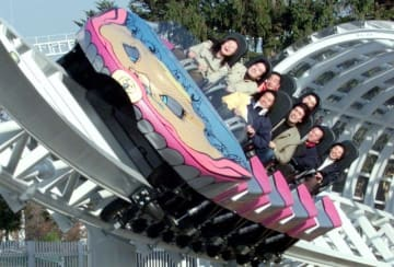 遊園地といえば、やっぱりジェットコースター! - Yamaguchi Haruyoshi / Corbis via Getty Images