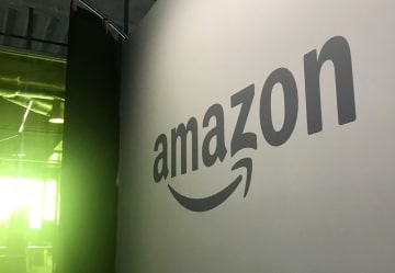 米インターネット通販大手のアマゾン・コムのロゴ=米ワシントン州シアトルのアマゾン本社(共同)
