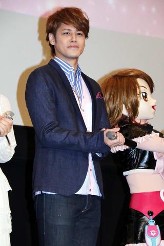 劇場版アニメ「映画HUGっと!プリキュア ふたりはプリキュア オールスターズメモリーズ」の初日舞台あいさつに登場した宮野真守さん