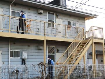 中国籍の技能実習生の女性が血を流して倒れていたアパート=27日午後、群馬県伊勢崎市