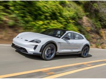 ポルシェ・タイカンの派生モデル、フル電動スポーツカーとなるミッションEクロスツーリスモの市販化決定