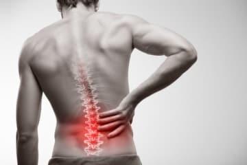 腰痛には様々な種類があり、原因よって対処法が異なります。まずは医療機関で、病気や骨折による痛みではないことを確認しましょう