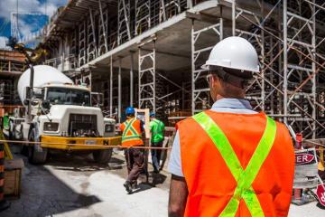 外国人労働者 入管難民法 改正案 新在留資格 介護 建設 外国人 労働 年金