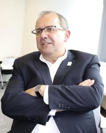 インタビューに応じるIPCのハビエル・ゴンザレスCEO