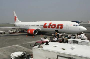 墜落したライオンエアの同型機=2012年5月撮影(AP=共同)
