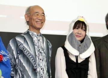 「訪れてみたい日本のアニメ聖地88(2019年版)」の発表会に登場した富野由悠季監督(左)とゲストのビンビンさん