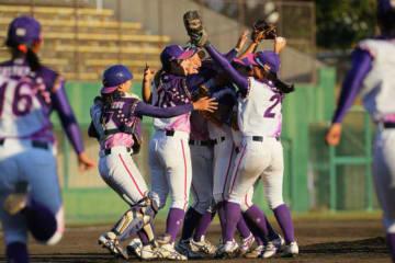 4年ぶりの優勝を果たした京都フローラ【写真提供:日本女子プロ野球リーグ】