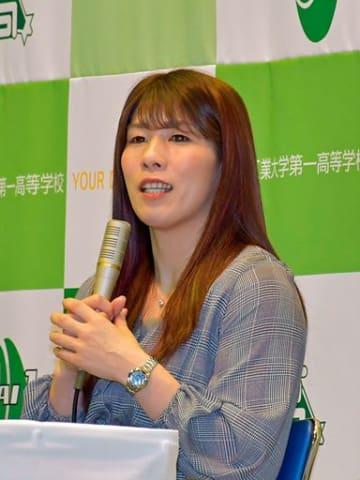 夢に向かって努力する大切さを説いた吉田選手