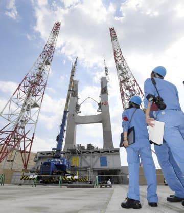 報道陣に公開された、29日にH2A40号機が打ち上げられたロケット発射場=30日午後、鹿児島県の種子島宇宙センター