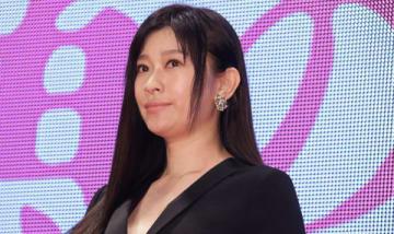 映画「人魚の眠る家」のレッドカーペットイベントと舞台あいさつに登場した篠原涼子さん